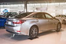 Lexus ES 'Chrome Edition' Dazzles Bahrain